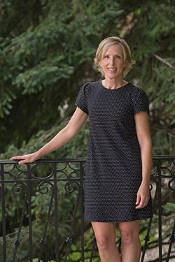 Lisa Dolak
