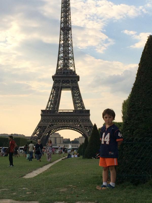 Syracuse University Abroad staff member Marie Kulikowsky snapped this shot of Orange in Paris.