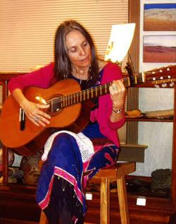 Gloria Velásquez