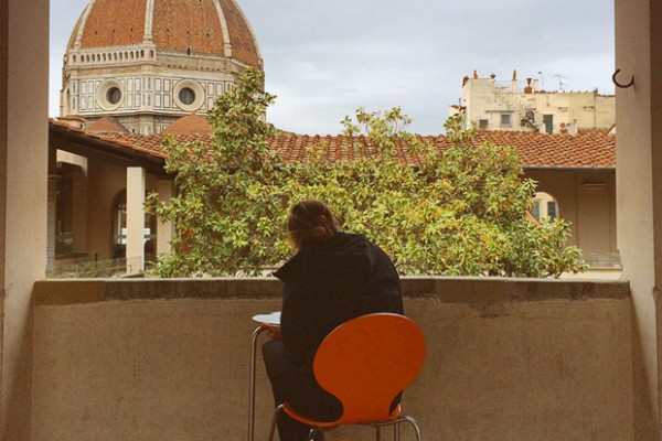 A Syracuse University student in Florence, Italy, as part of SU Abroad