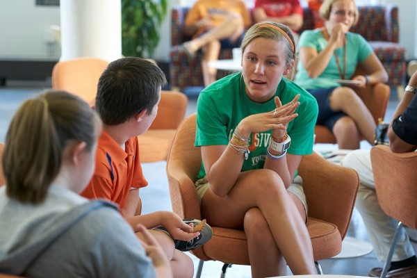 Syracuse Peer Mentor talks to new InclusiveU Students at Welcome Event on Sept. 1