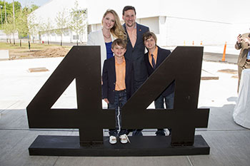 The Rubin family at groundbreaking ceremonies for Plaza 44. (Photo by Michael J. Okoniewski)