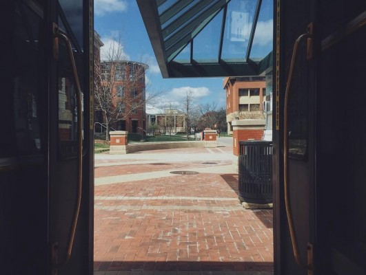 College Place bus stop. Photo by Vihan Shah '18.