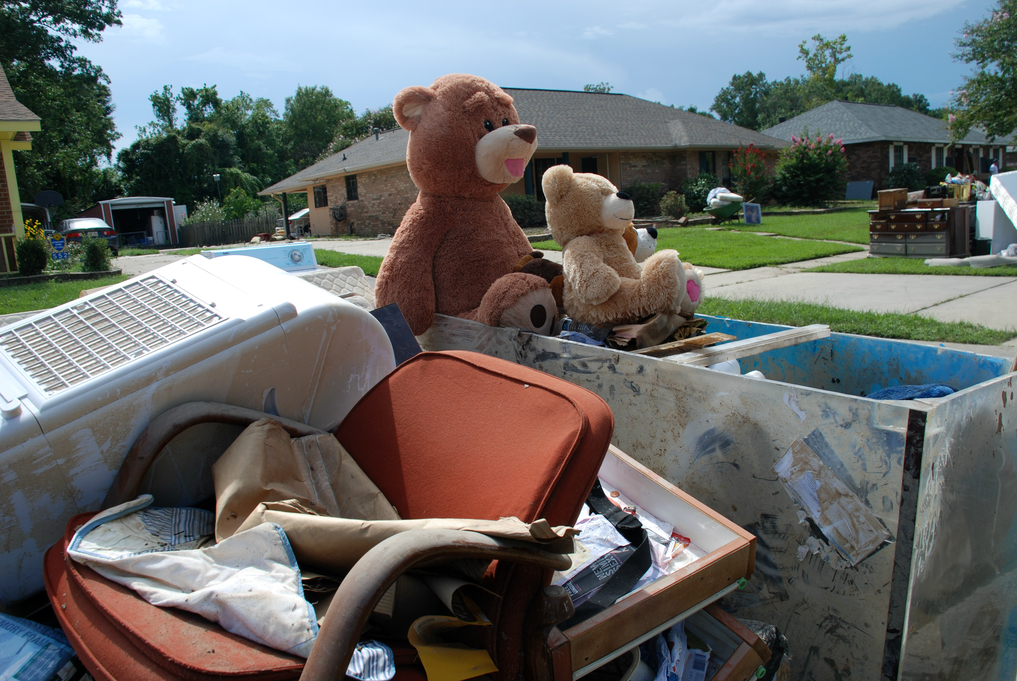 Residents in the Baton Rouge area discard anything that was submerged in flood waters to begin the recovery process. (Photo by Laura Guzman/FEMA)