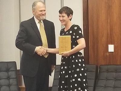 Karen Bull accepts UP Online award
