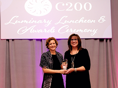 Maureen Casey receives award