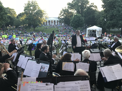 The Syracuse University Brass Ensemble on the lawn at Centre College. (Photo by Mary Kasprzyk '03)