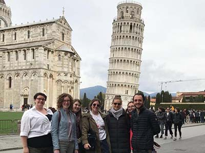 Sean Nelson and students in front of Leaning Tower of Pisa