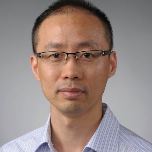 Weiwei Zheng headshot