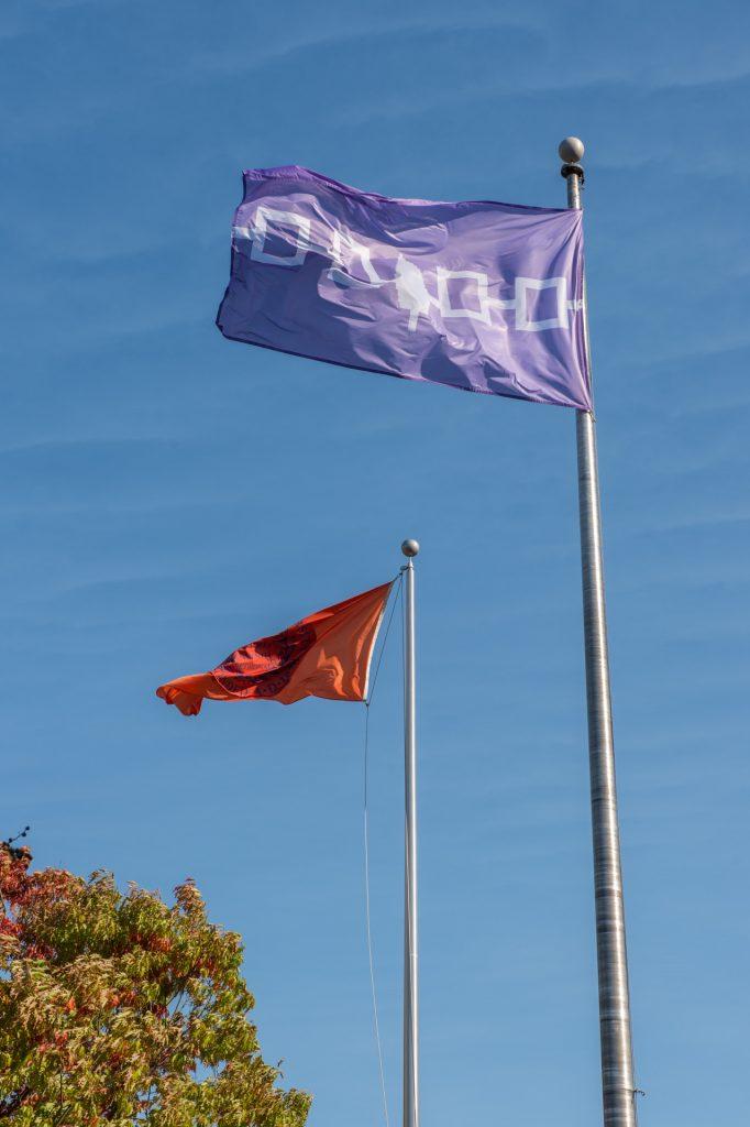 Haudenosaunee and Syracuse University flags
