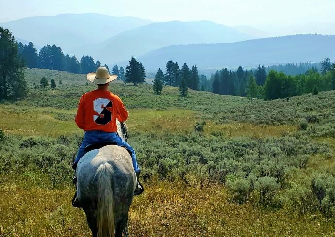 Simon Perez on horseback