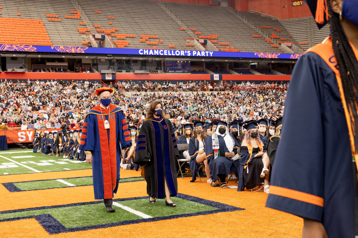 Chancellor Kent Syverud and Gov. Kathy Hochul '80 at Commencement 2020
